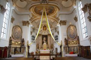 Pontifikalamt - zur Wiedereröffnung der Pfarrkirche Hl. Kreuz